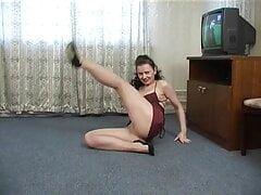Russian mom Irene is dancing