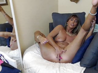 herself fucks Mommy in couch wife finger  and