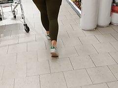 Big teen butt in leggings