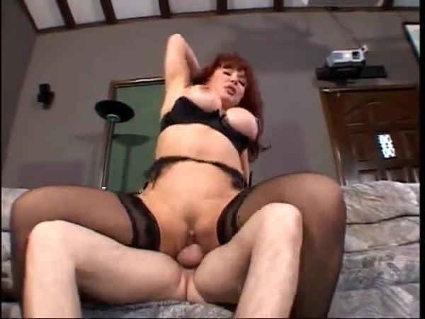 Sexy Cougar Anal Masturbation