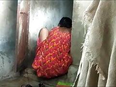 Caught Bhabi During Pising