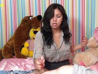 Latina Teen dà la prima sega