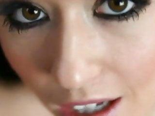 Facial sister Joi Kiki Devine