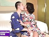 Amateur ladyboy sucking before versatile sex