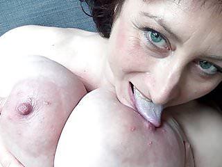Euro MILF con seno appeso macromastia
