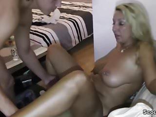 Mama fickt Kostenlose schwule männliche Porno-Filme