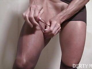 Mature Blonde Bodybuilder Rips Through Her Pantyhose