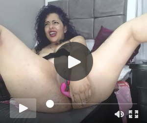 dildo in ass wet pussy squirt
