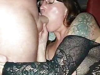 Meine Frau ohne mich beim Gangbang im Pornokino 3
